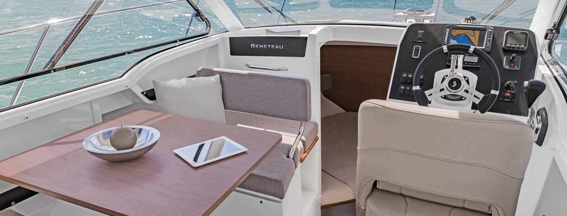 yacht saint-jean-cap-ferrat-bateau neuf nice-bateau d occasion cannes-location de bateau monaco-entretien de bateau antibes-yacht d occasion saint-laurent-du-var